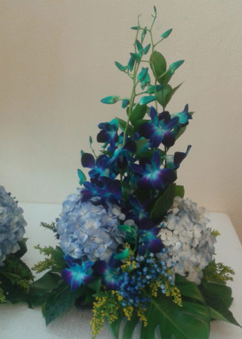 blue-dendro-and-hydrangea-centerpiece-sm