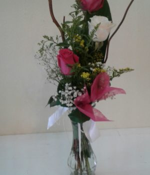 Just because 3 Roses small arrangement